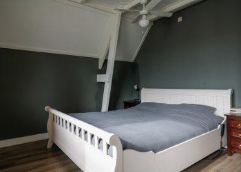 16 Van Osingaweg 10 Schettens slaapkamer voorkant
