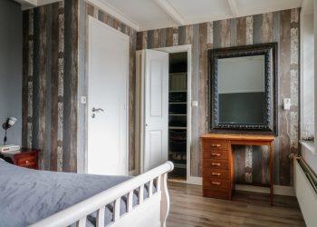 17 Van Osingaweg 10 Schettens slaapkamer voorkant